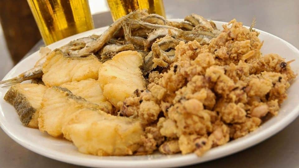 ¿Cuáles son los platos típicos de Andalucía más populares
