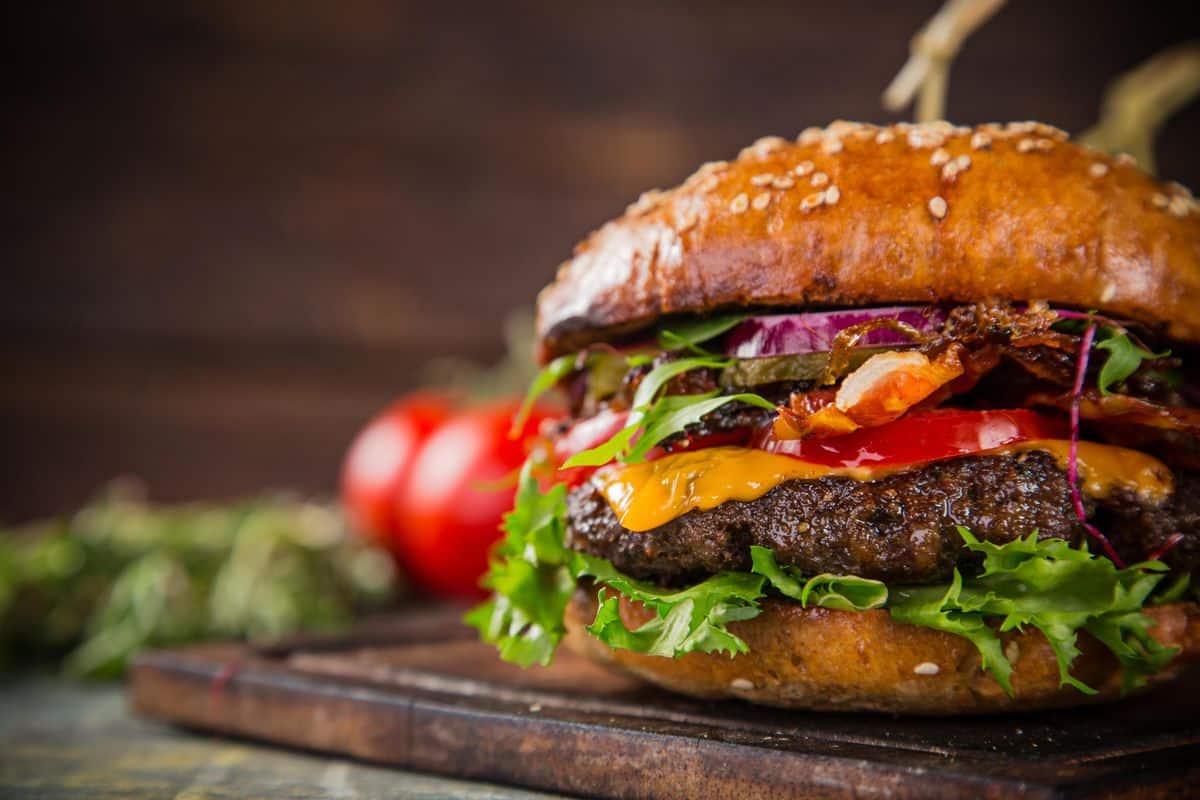 Descubre cómo cocinar hamburguesas en casa
